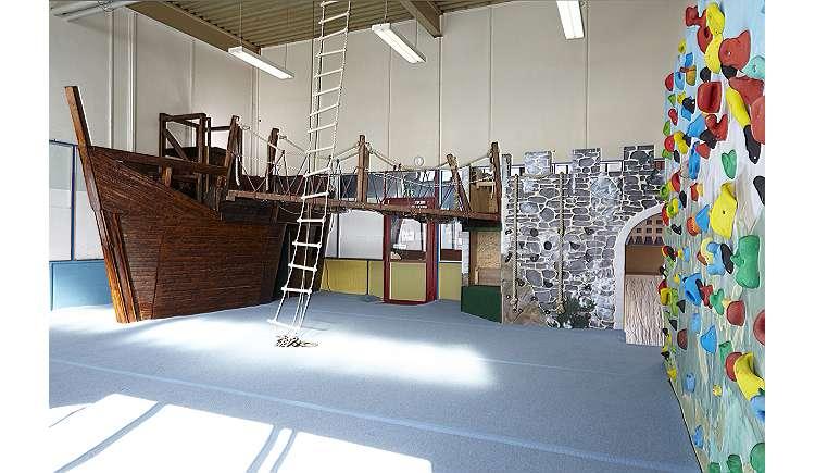 kindergeburtstag bonn boulders habitat kletterhalle. Black Bedroom Furniture Sets. Home Design Ideas