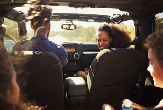 Lange Autofahrten mit Kindern gut vorbereiten