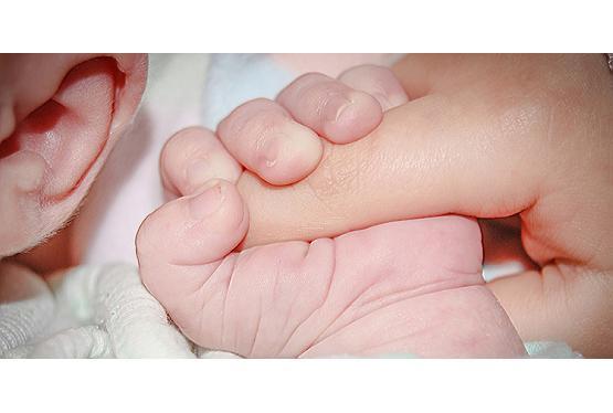 Nach der Geburt – Verhaltenstipps für Eltern und Angehörige