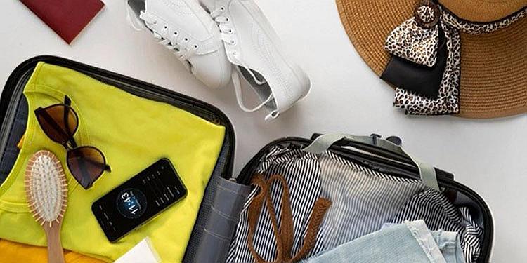 Wie man Sachen in den Koffer packt, um ihn perfekt zu füllen