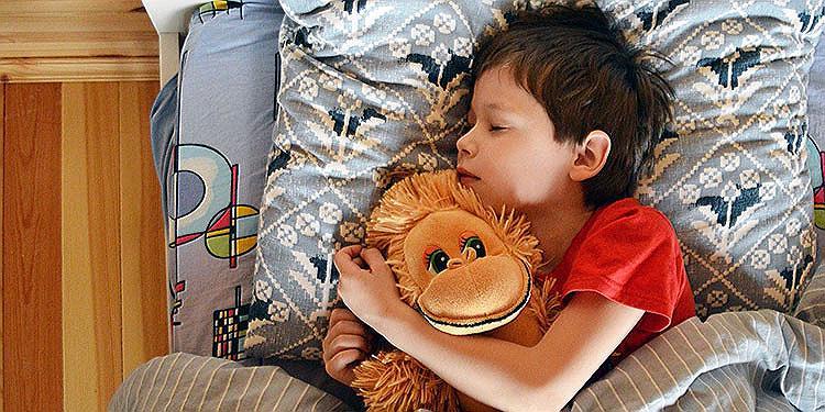 Urlaub mit Kindern – Schlafprobleme auf Reisen richtig vorbeugen!