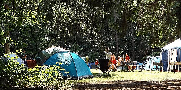 So gelingt der Camping Urlaub mit der Familie: 6 hilfreiche Tipps