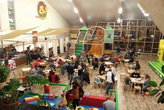 indoorspielplatz sachsen ausflugsziele freizeitangebote feriencamps uvm auf kids. Black Bedroom Furniture Sets. Home Design Ideas