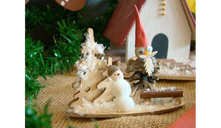 weihnachtliches basteln in der geschenkewerkstatt ausflugsziele auf kids. Black Bedroom Furniture Sets. Home Design Ideas